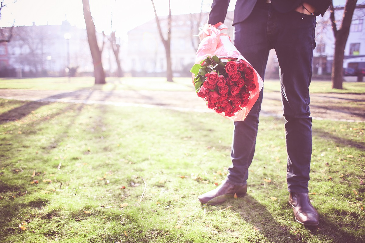 Na dżentelmena –  sprawdzony sposób żeby zaimponować kobiecie