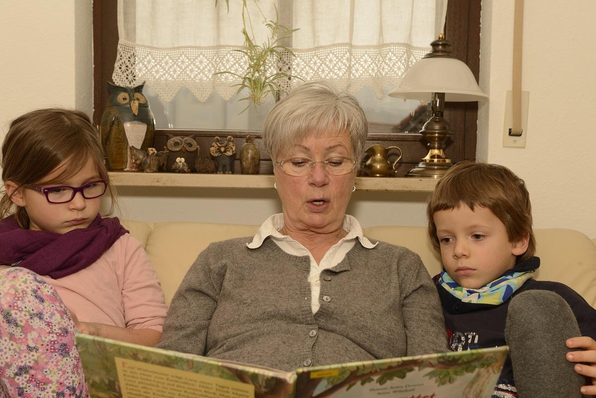 W co się ubrać na wizytę u dziadków?