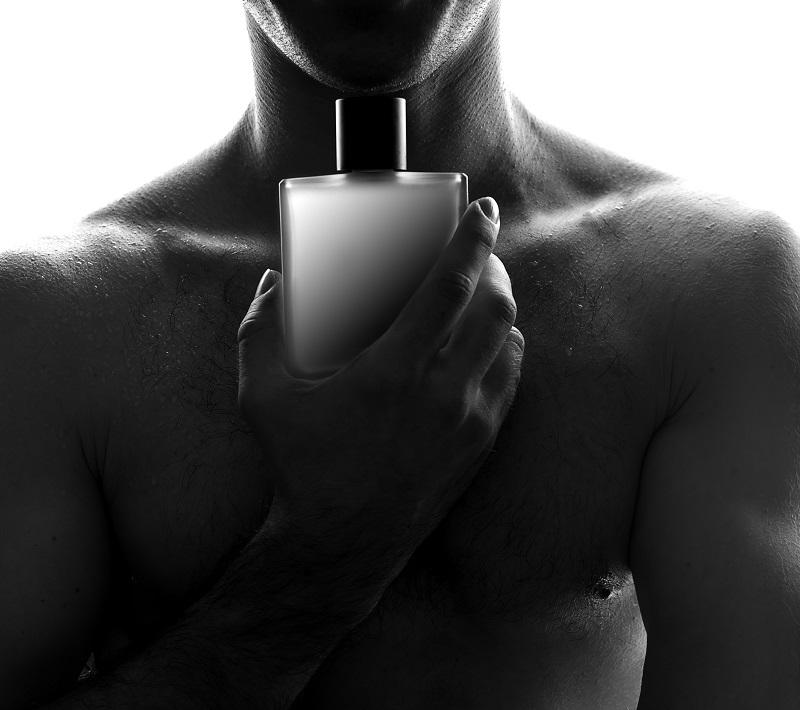 Jak nosić perfumy, by zwiększyć ich trwałość?