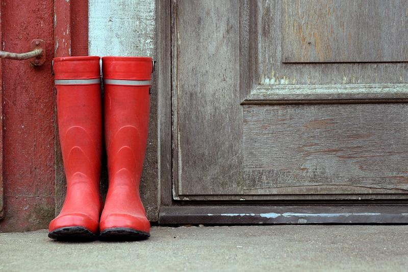 Jak nosić czerwone buty?
