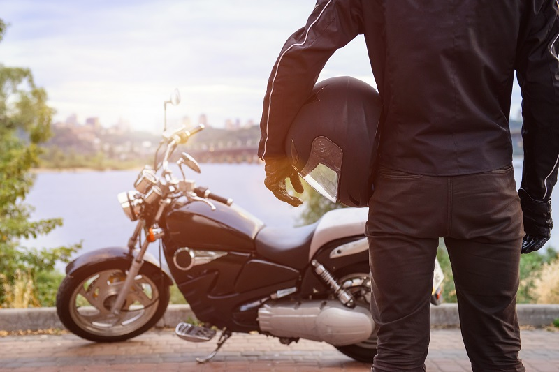 Moda motocyklowa – skórzana kurtka motocyklowa
