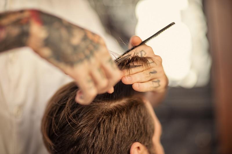 Najlepsze, najmodniejsze męskie fryzury 2017 - sprawdź, co noszą gwiazdy