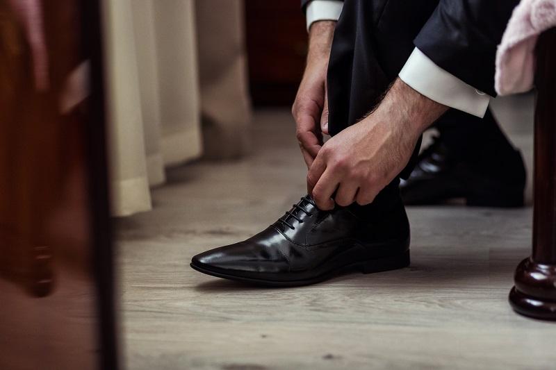 Czarne buty w stylu derby