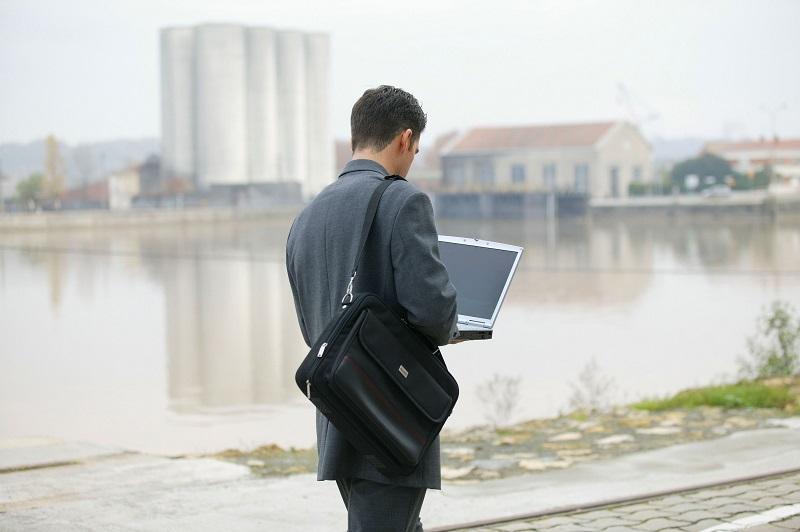 Jak wybrać najlepszą torbę na laptopa