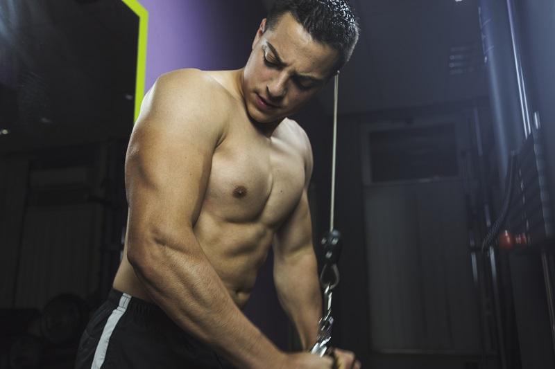 Czy ćwiczenia wpływają na poziom testosteronu