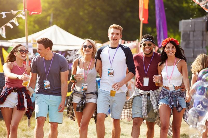 Festiwalowa moda męska – wygoda i modny look w jednym