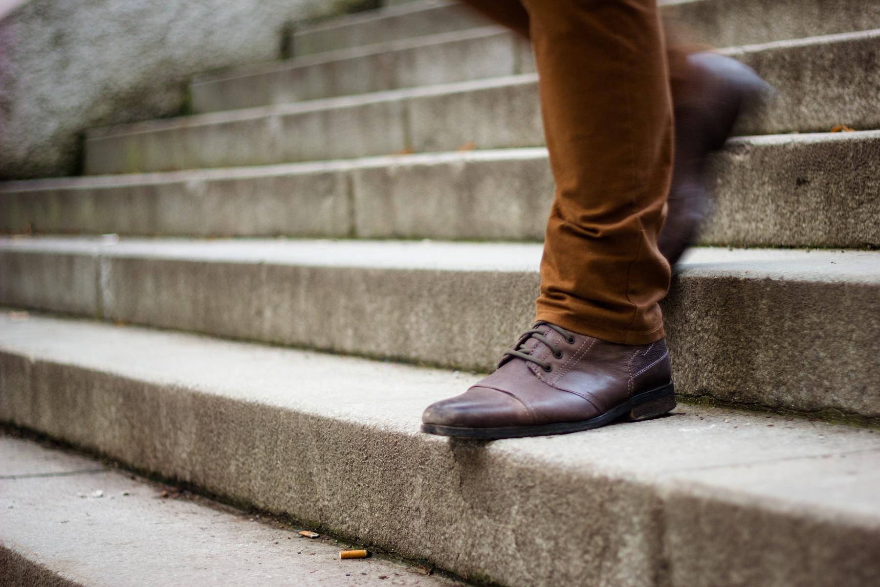 Jak rozciągnąć buty? 3 sposoby na ciasne buty
