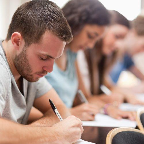 Jak się ubrać na uczelnię Stylizacja dla studenta