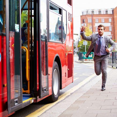 Stylizacja do pracy dla spóźnialskich, czyli jak się ubrać w 2 minuty (2)