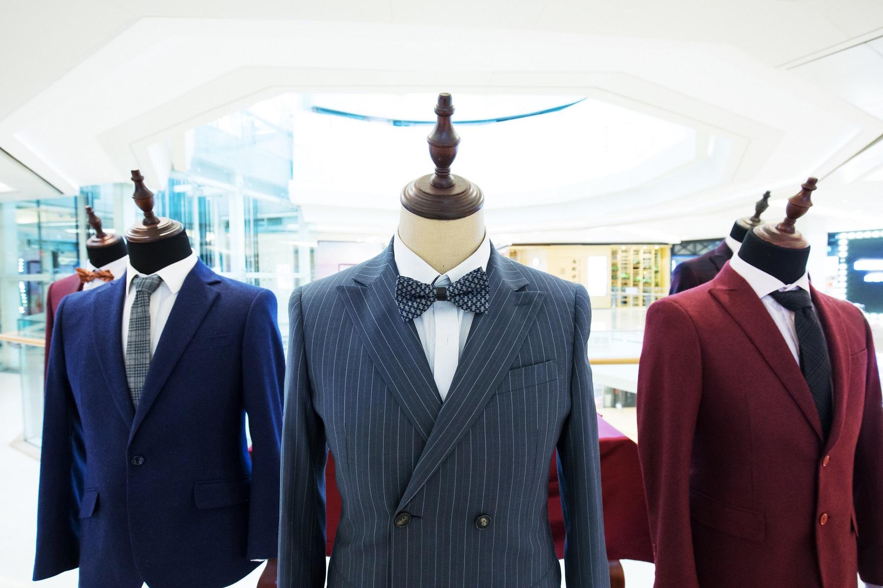 Elegancja z modnym twistem – ubierz się jak Piotr Stramowski!