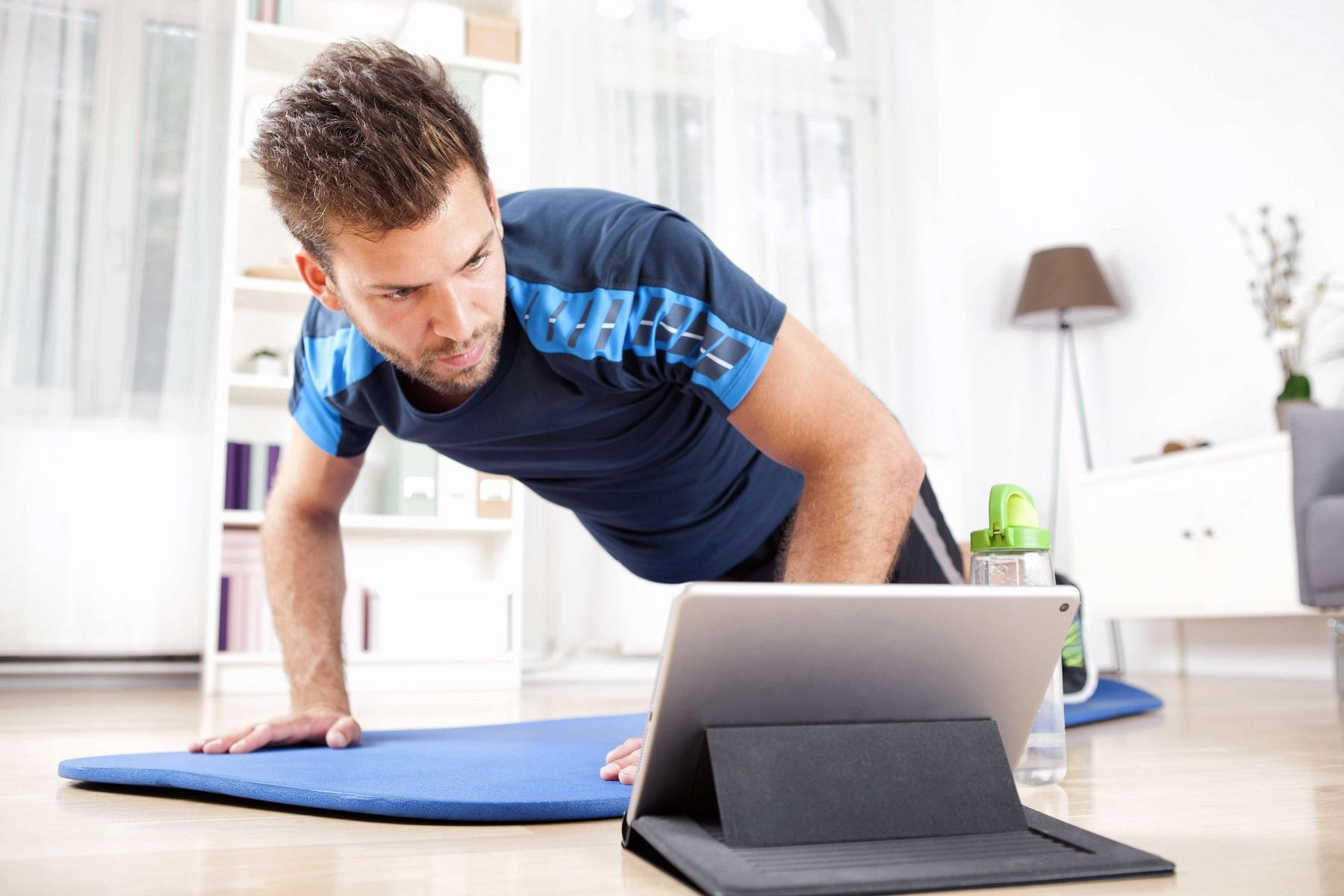 Fitness na YouTube – ćwiczenia, które możesz poznać w sieci