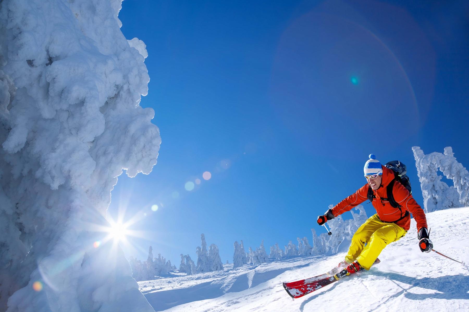 Kurtka narciarska – zobacz jak nosić ją na co dzień