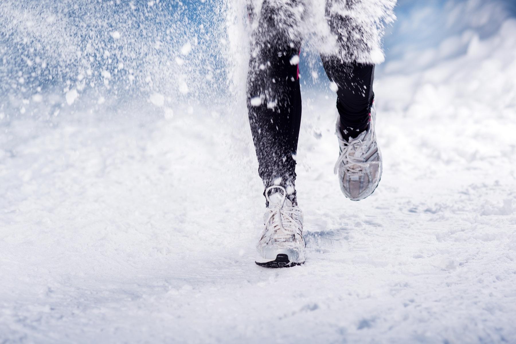 Buty na zimę – sprawdzone sposoby, dzięki którym nie zmarzniesz