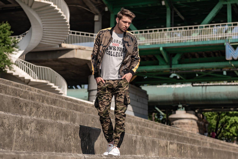 Męski styl militarny – jak się dobrze ubrać?