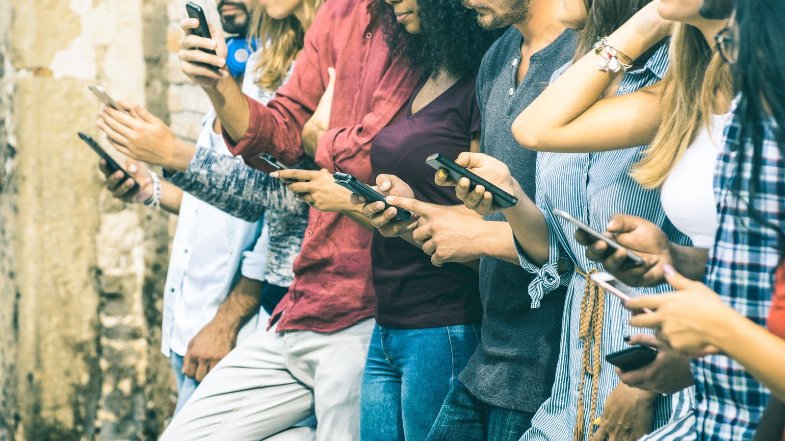 7 ustawień telefonu, które musisz zmienić, żeby ograniczyć korzystanie z mediów społecznościowych