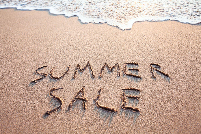 Letnie wyprzedaże, czyli dlaczego warto kupować rzeczy pod koniec sezonu letniego?