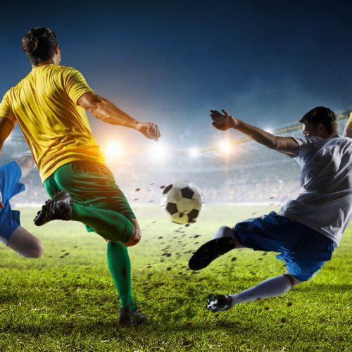 Piłkarze na boisku podczas meczu