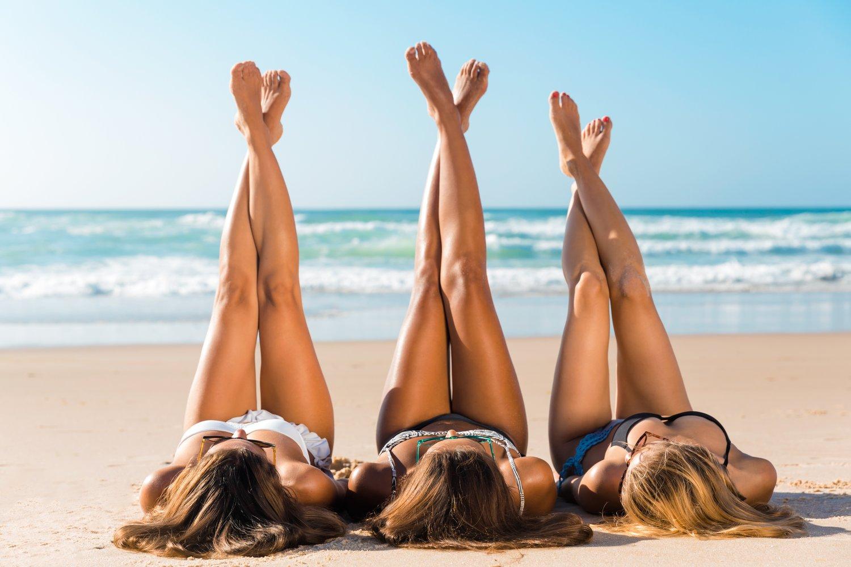 Upside down bikini, Barbie Feet i pozowanie…. na migrenę czyli letnie trendy na Instagramie