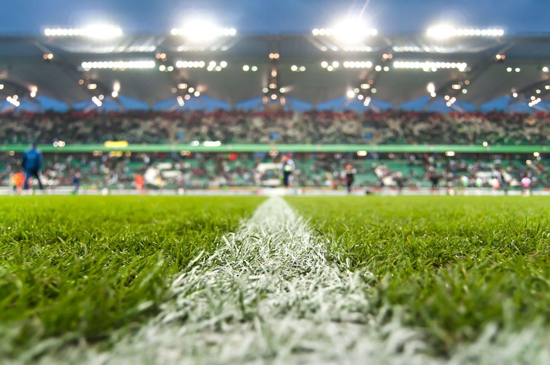 Piłka nożna w Polsce: czy da się oglądać ekstraklasę i nie zwariować?