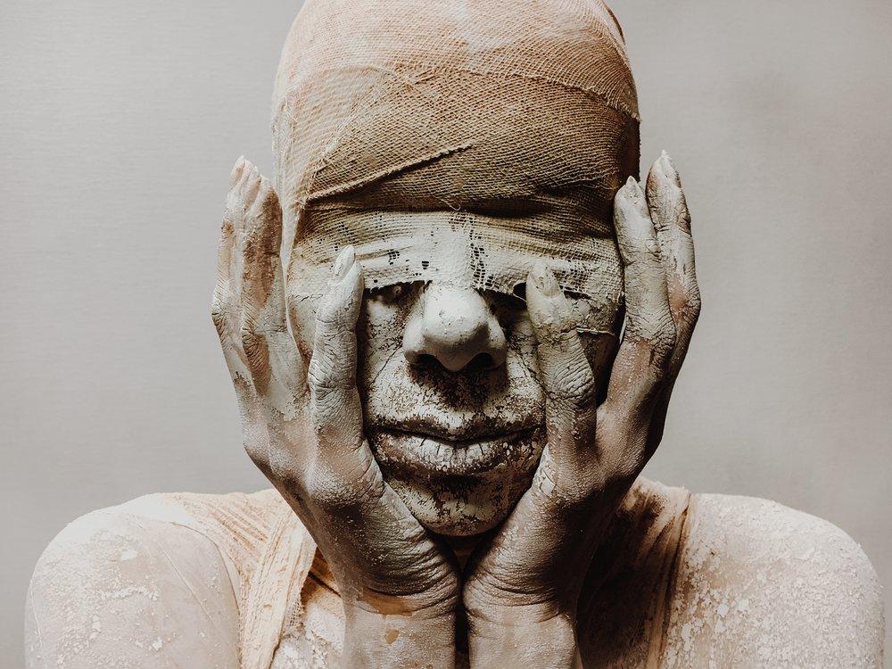 Mumia - proste przebranie na Halloween