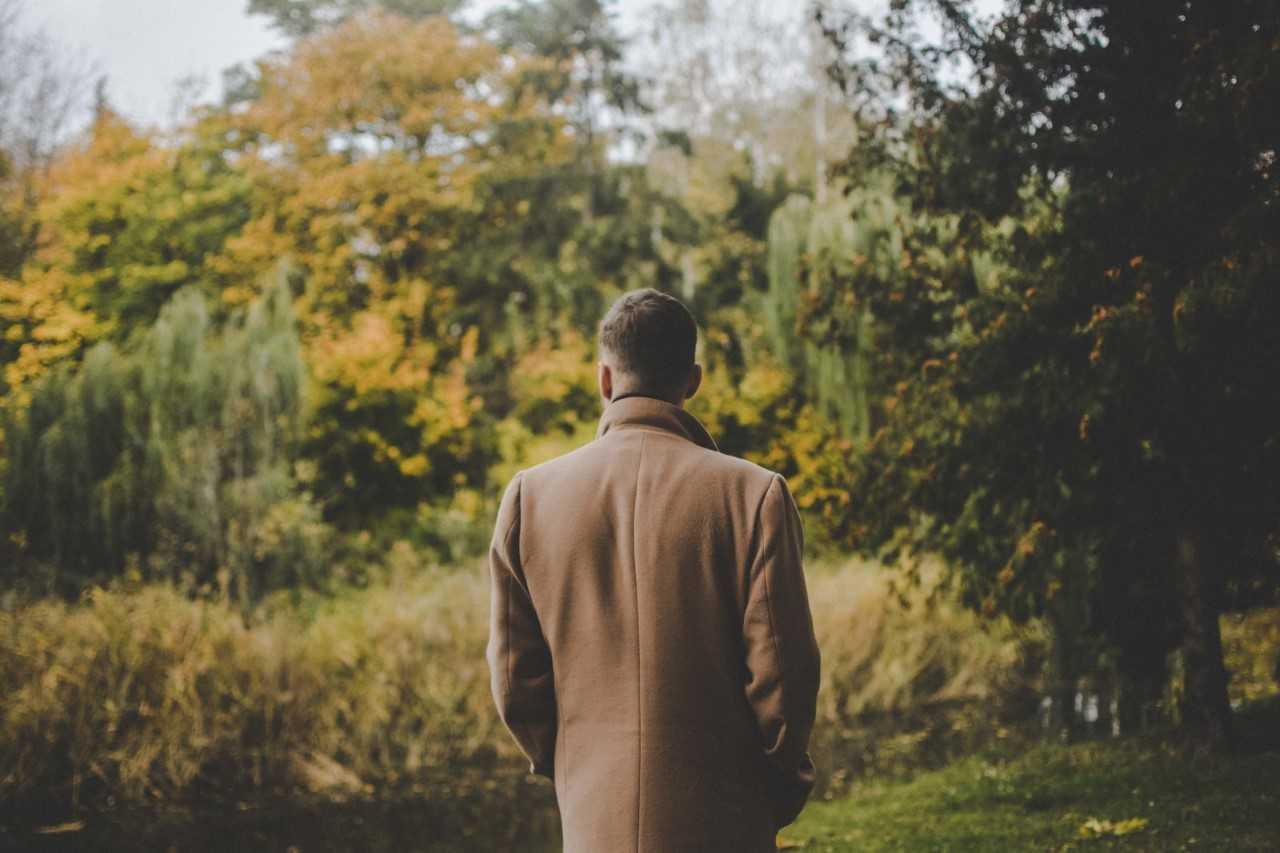 Odpowiednia długość płaszcza – dokąd powinien sięgać płaszcz?