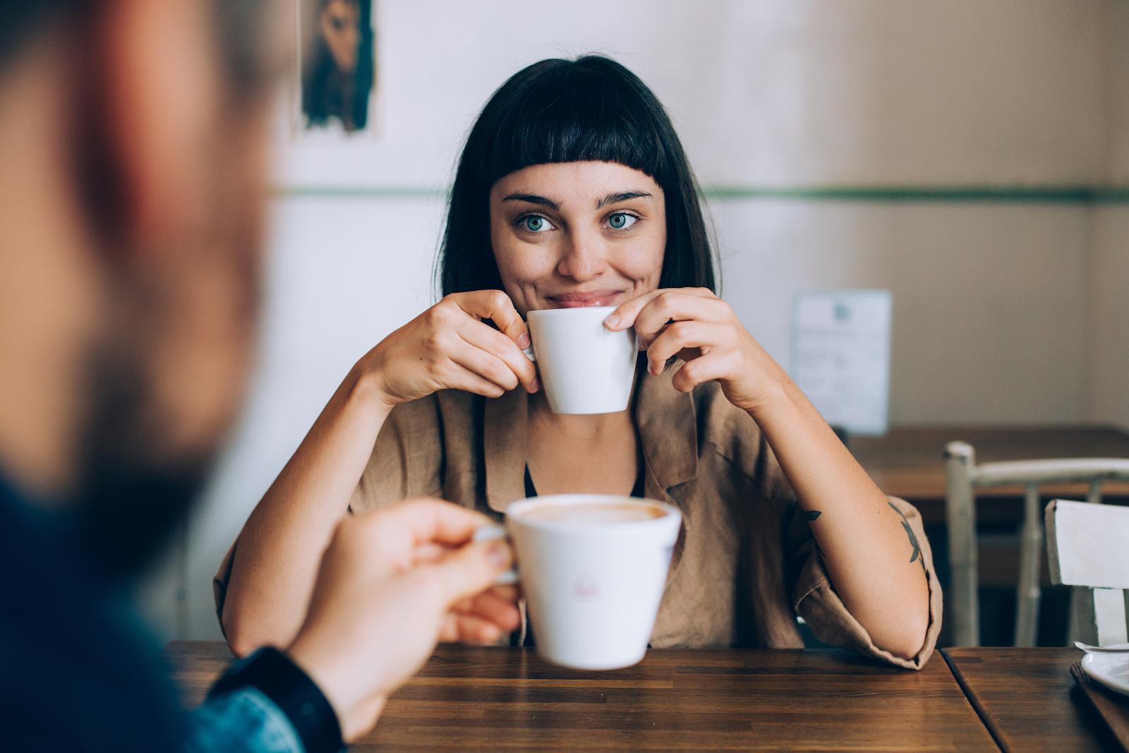 Rozwiewamy wątpliwości: kto powinien płacić na randce?