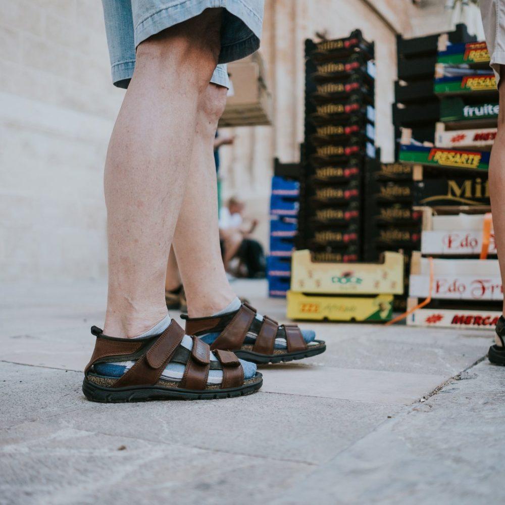 6 największych mitów na temat tego, jak ubierają się Polacy