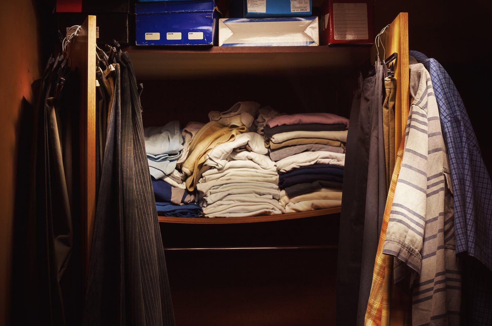 Gdzie oddać używane ubrania, zamiast je wyrzucać?