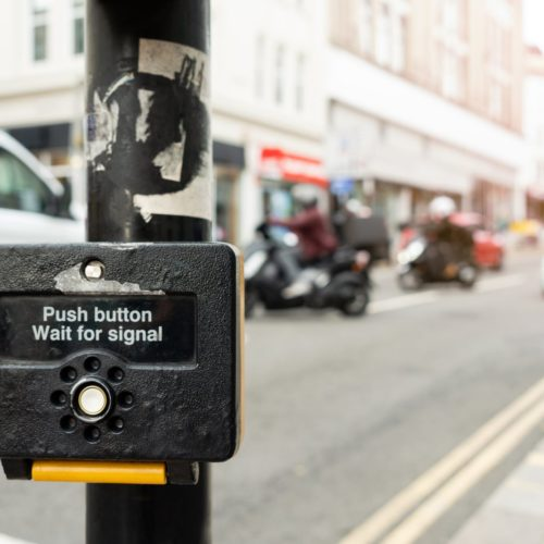 Przycisk na przejściu dla pieszych