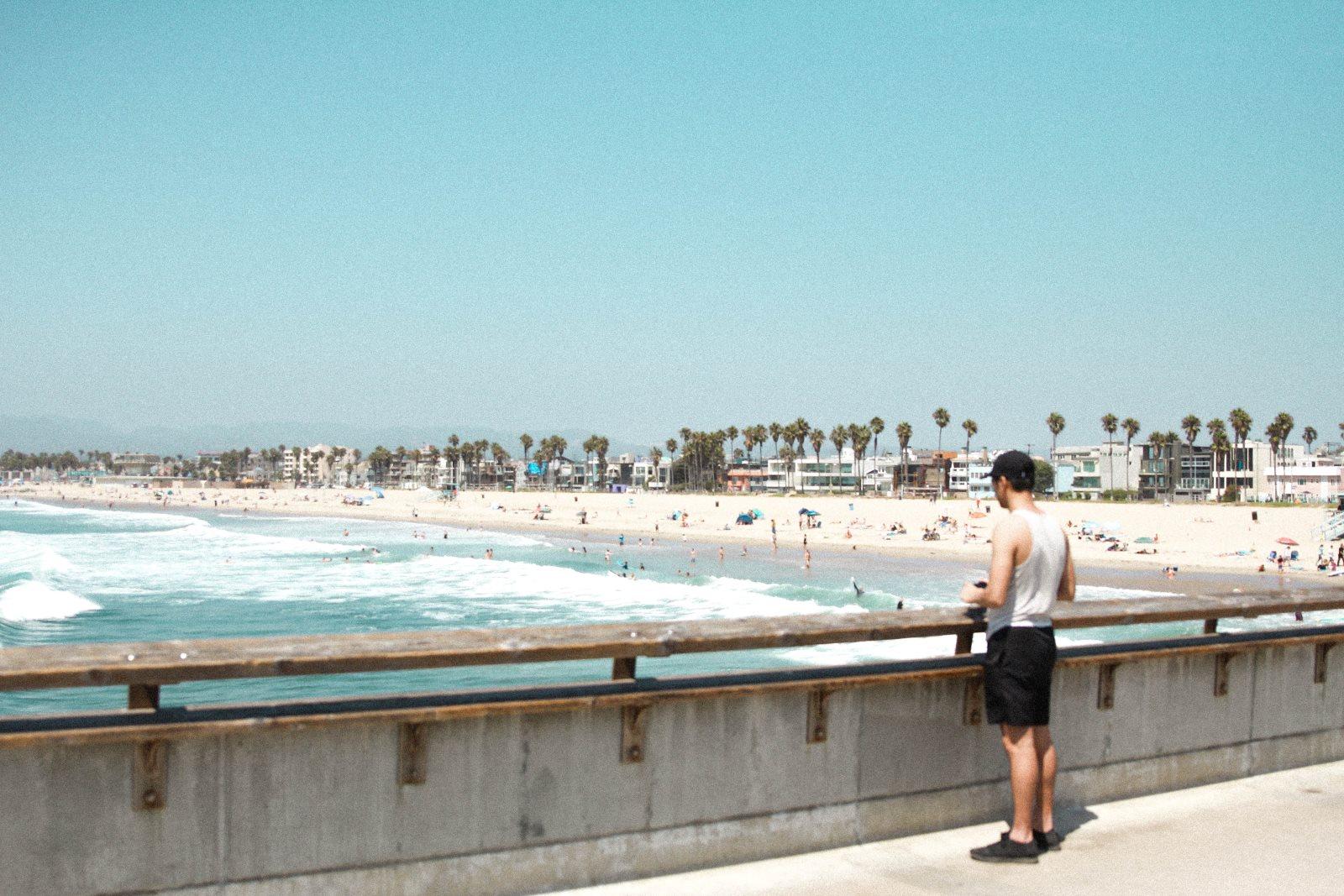 Krótkie spodenki na plaży