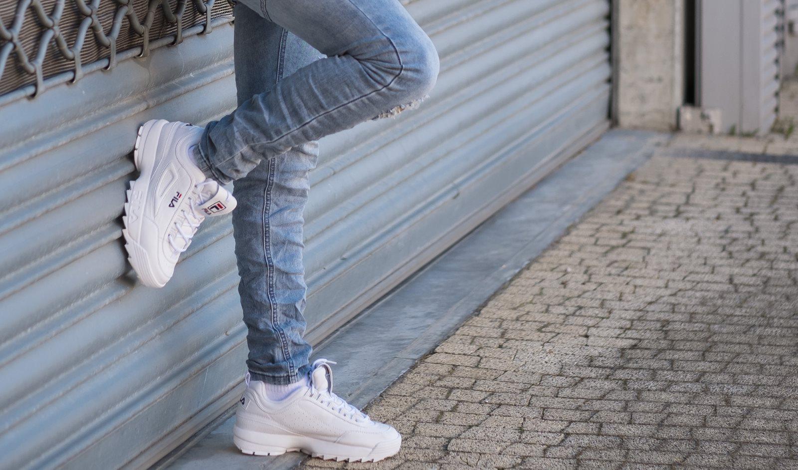"""Ugly shoes. Z czym nosić """"kosmicznie brzydkie buty""""?"""