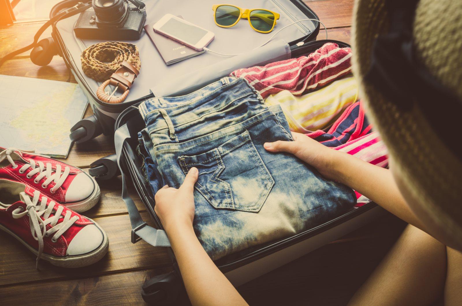 Tych 7 ubrań nie może zabraknąć w Twojej wakacyjnej walizce