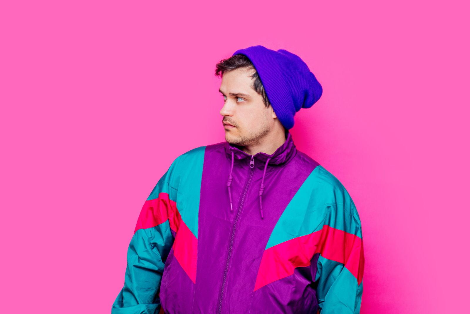 Męskie kurtki zimowe w neonowych kolorach: z czym i jak je nosić?