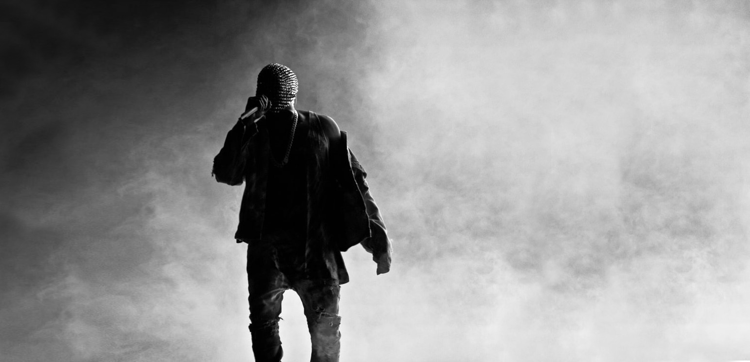 Sylwetki modowych celebrytów: Kanye West