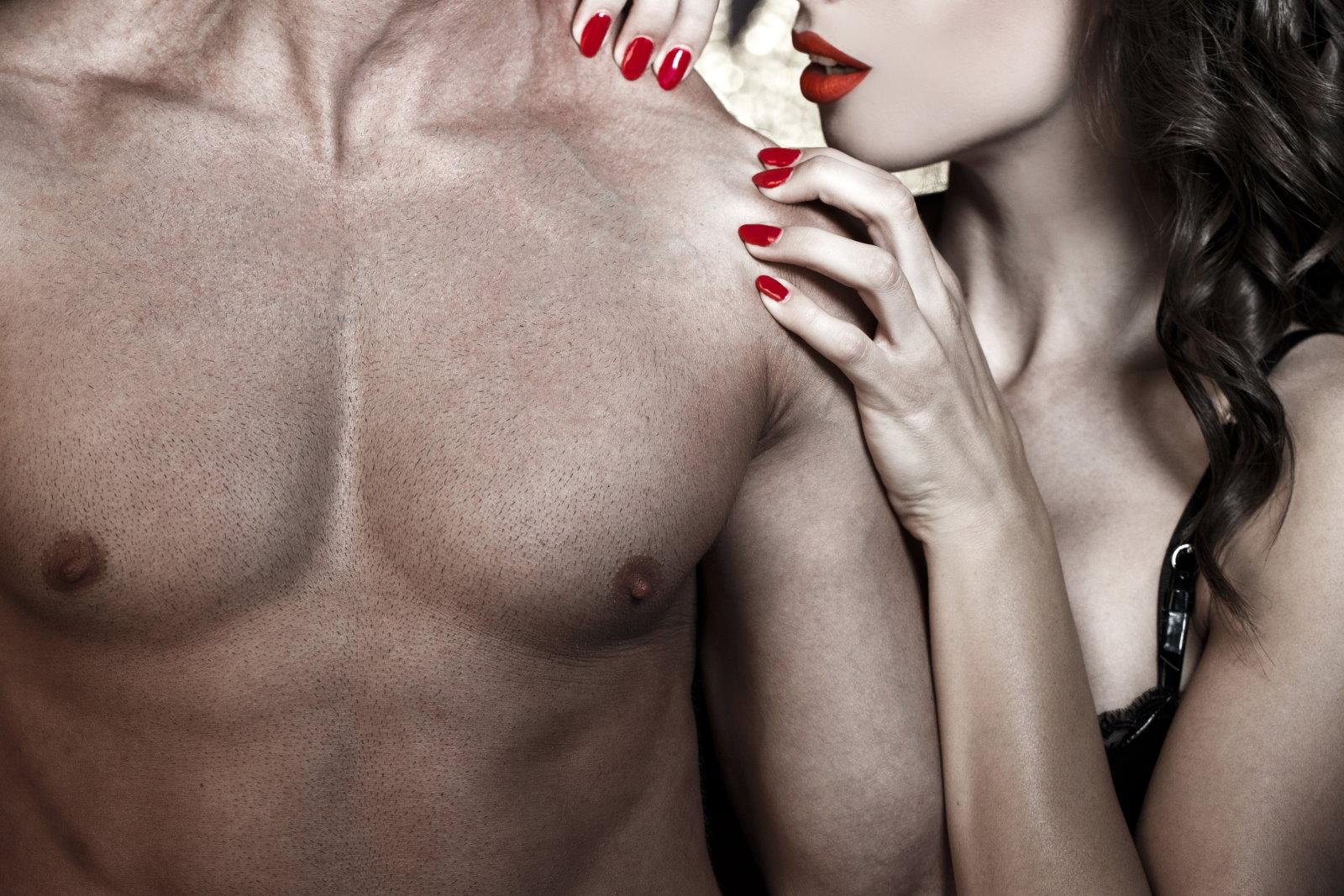 """Walentynkowy przebój """"365 dni"""" już w kinach. Hit czy kit?"""