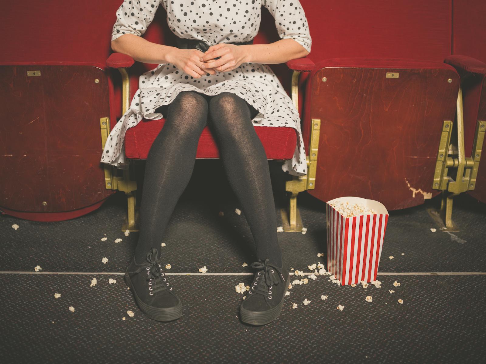 Do kina nie tylko na film? 7 rzeczy, które ludzie robią… w kinie