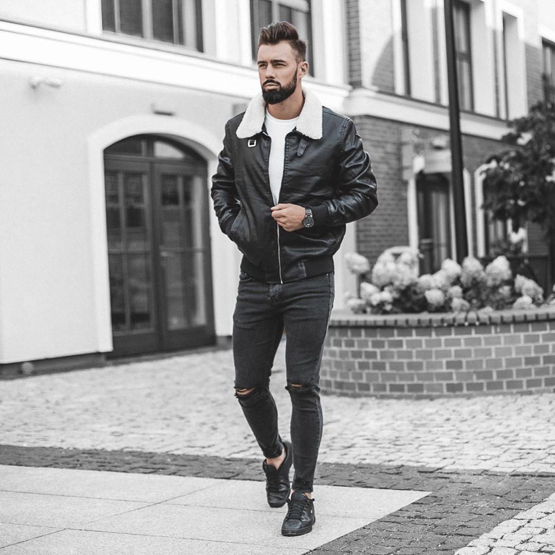 czarna kurtka z kożuhem