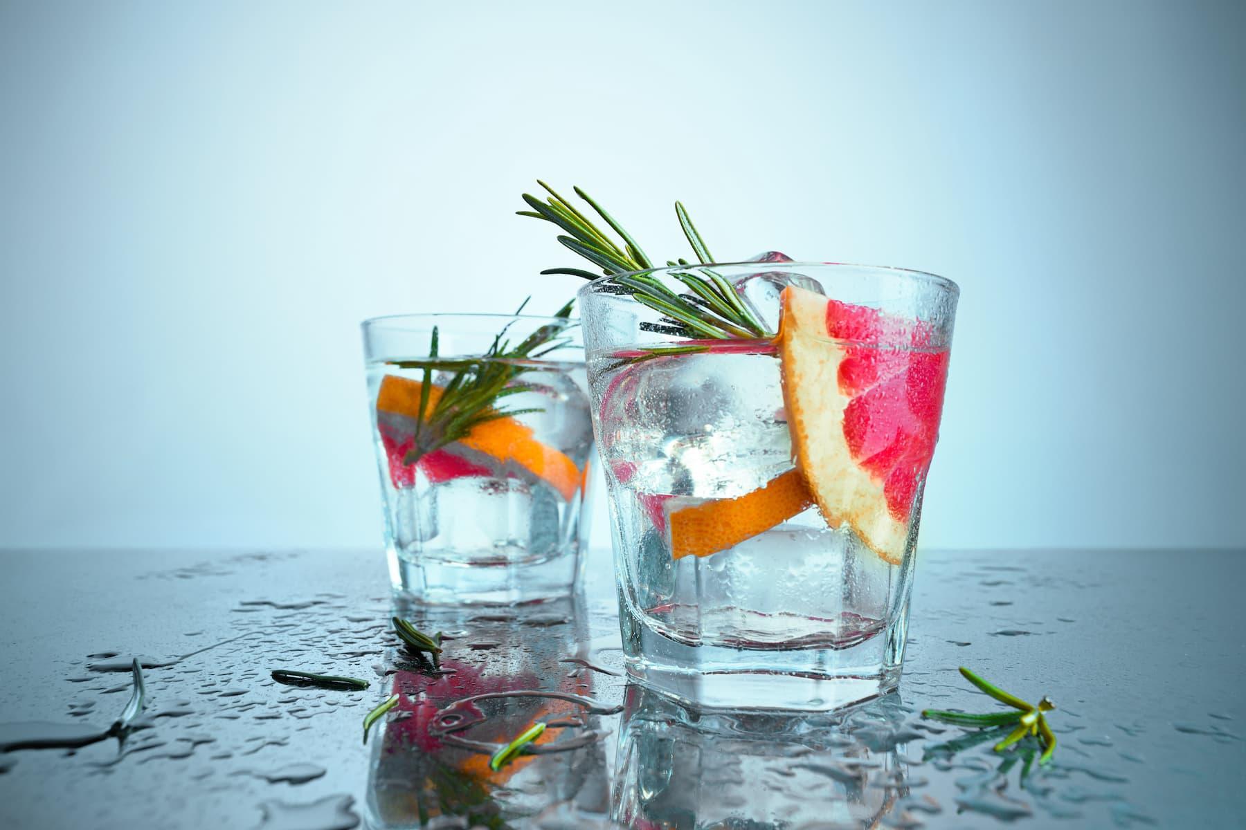Drinki na sylwestra: 5 prostych drinków z wódką w roli głównej