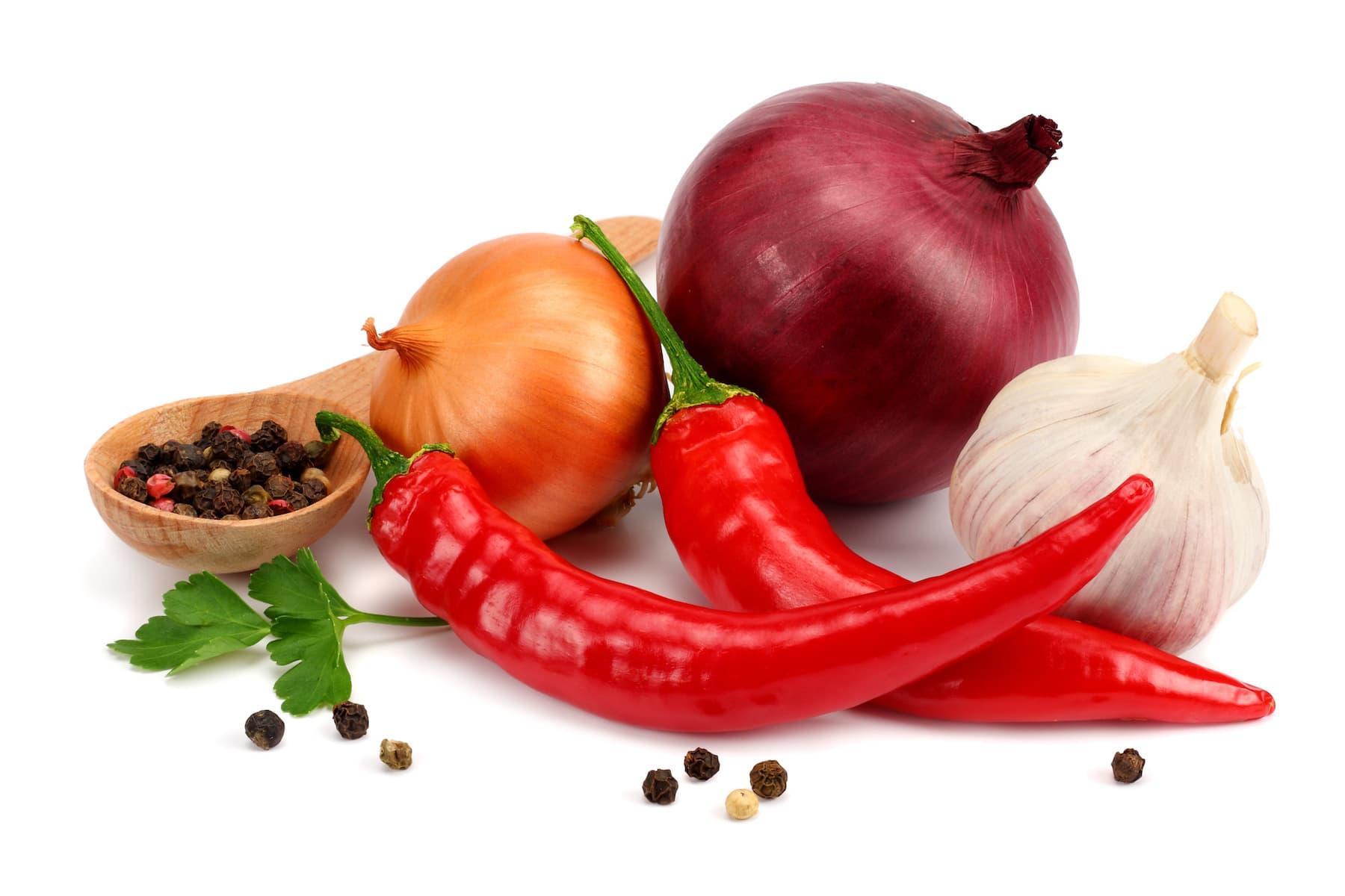 cebula, pieprz, czosnek i papryka
