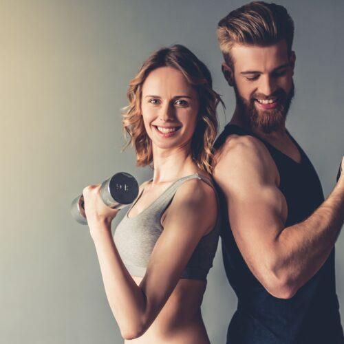 Trening dla dwojga? Jakie ćwiczenia można wykonywać razem z partnerką?