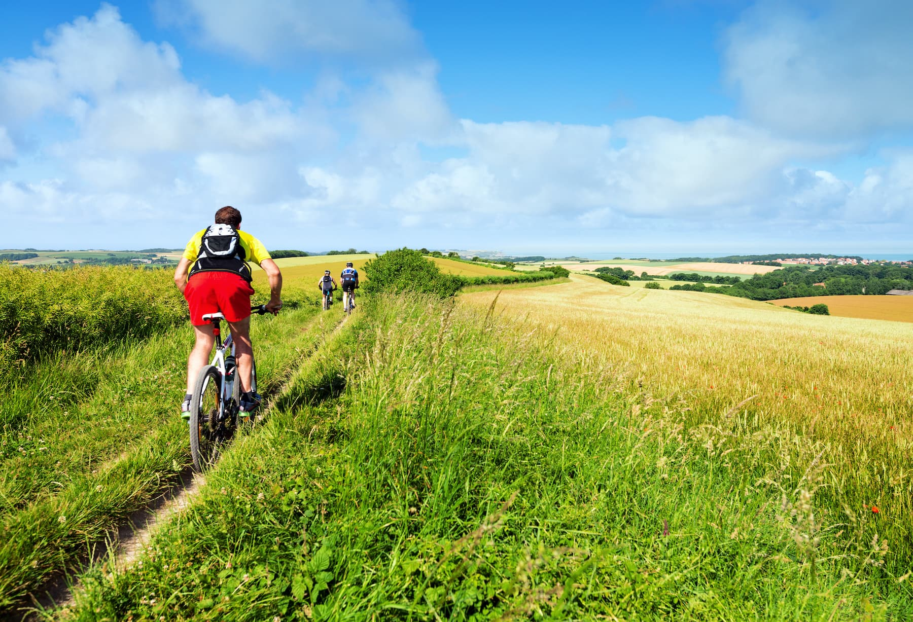 Jak się ubrać na wycieczkę rowerową poza miasto?