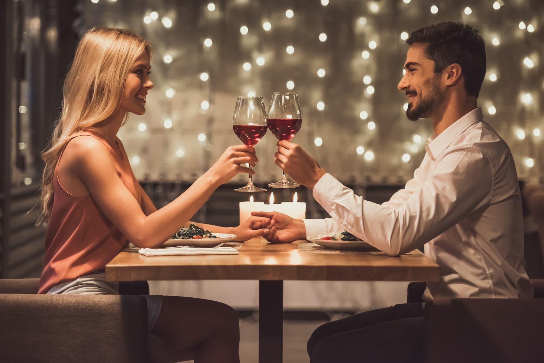 Jak wybrać dobrą restaurację na pierwszą randkę?