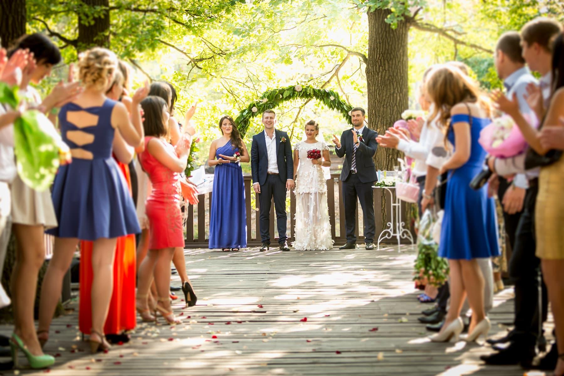 gość na ślub cywilny, ślub urzędowy, co ubrać, wesele po ślubie cywilnym