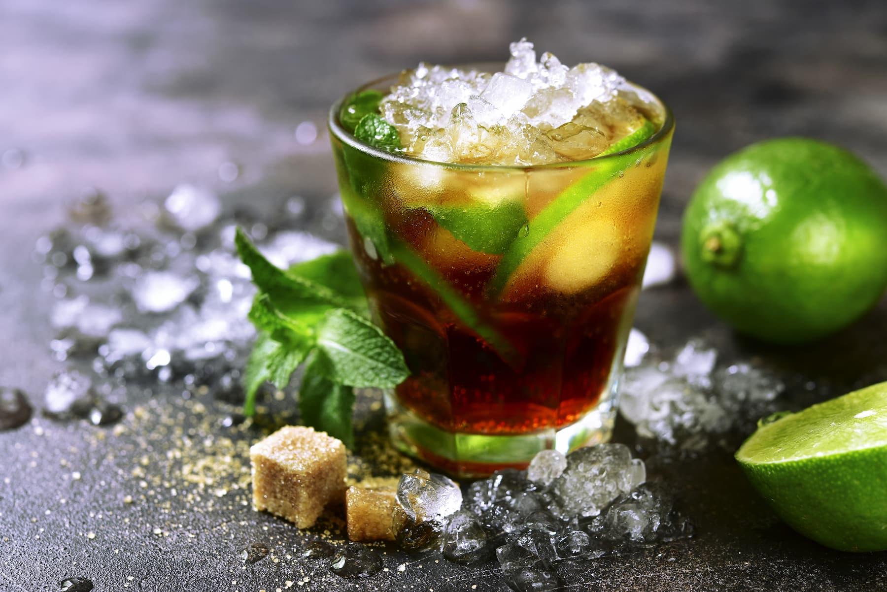 drink z tonikiem i herbatą earl grey