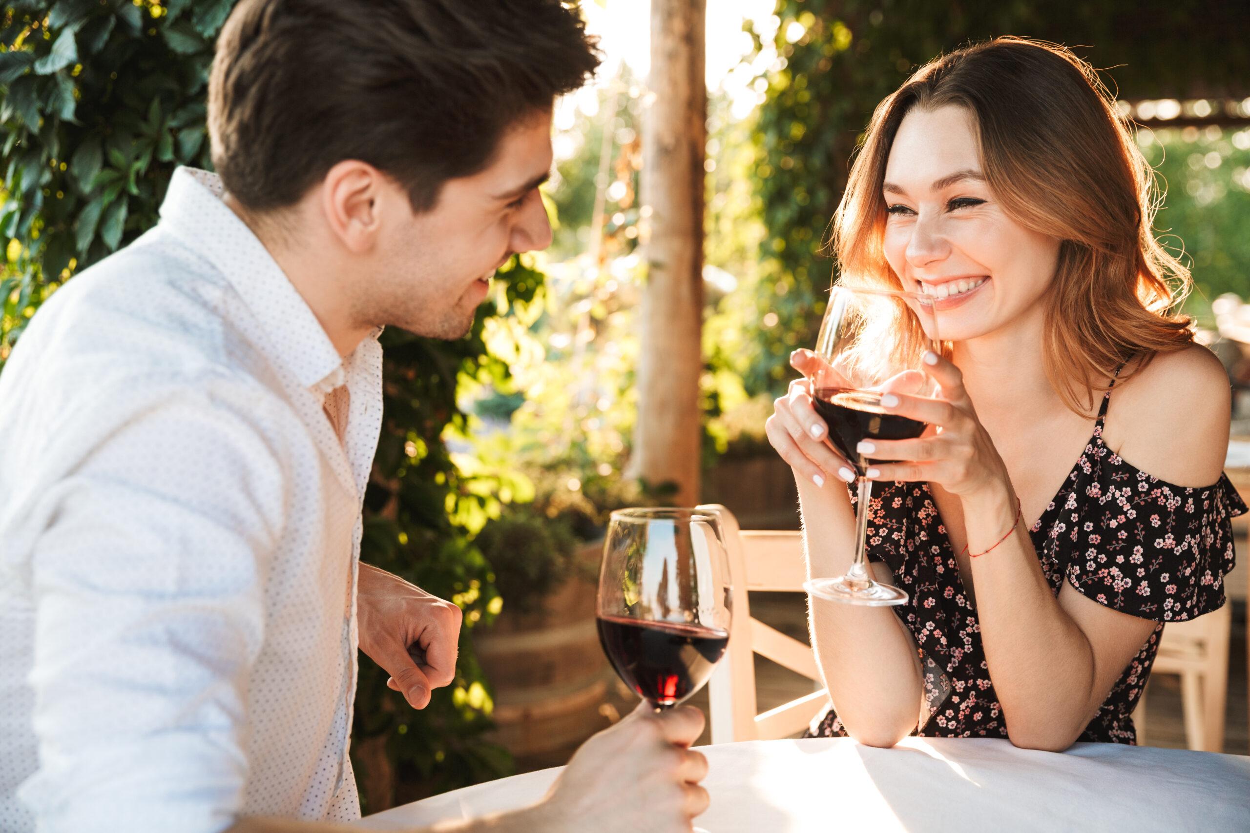 Najlepsze miejsca na randkę w upalne dni