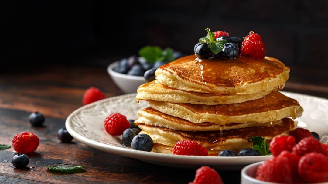 dieta wysokoproteinowa, dieta bogata w białko, co jeść na diecie białkowej, naleśniki proteinowe